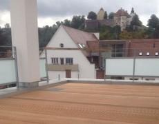 Balkon mit Blick aufs Schloss